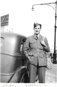 mel next to car 1942