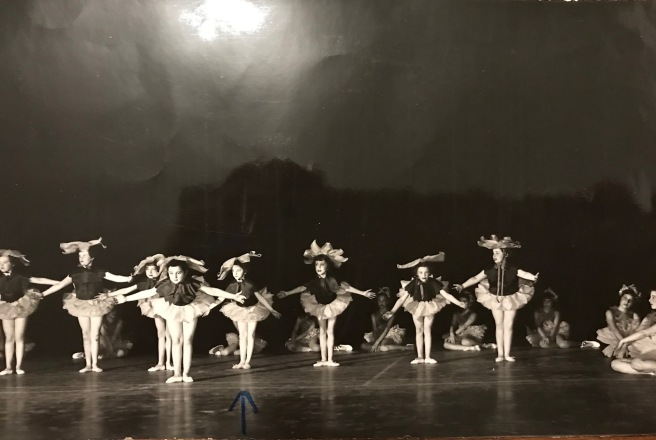 Ellie-ballet-group-1955