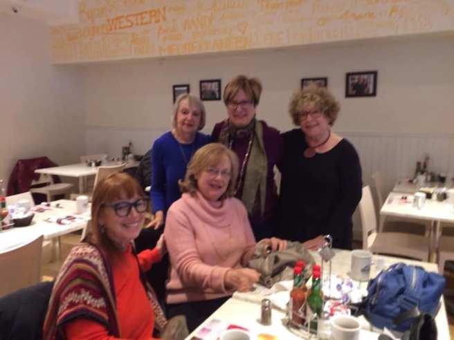 Ladies' brunch at l'Oeufrier