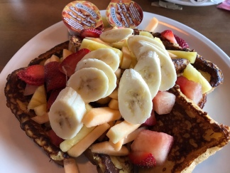 Ellie's fab French toast 'n' fruit brunch at Brasserie Le Manoir the next morning